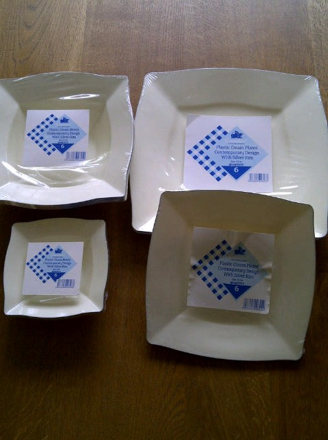 Square plates with silver rim